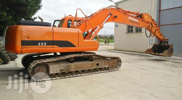 Archive: Excavators For Rent 2010 Orange