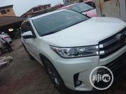 Toyota Highlander 2017 XLE 4x2 V6 (3.5L 6cyl 8A) White | Cars for sale in Lagos State