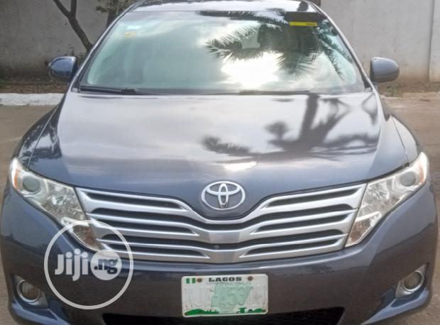 Archive: Toyota Venza 2010 AWD Gray