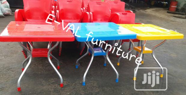 High Quality Plastic Table