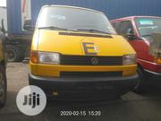Very Clean And Sharp Volkswagen Transporter 2000 Yellow | Buses & Microbuses for sale in Lagos State, Apapa