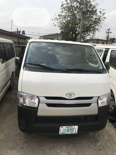 Toyota Hiace Buses For Hire