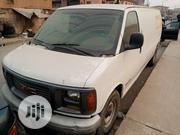 GMC Savana Bus 2004 White | Buses & Microbuses for sale in Lagos State, Surulere