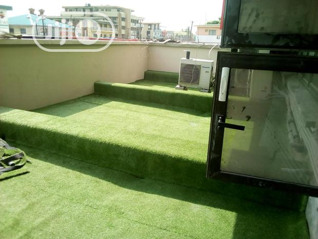 Artificial Grass For Your Living And Sitting Room Space
