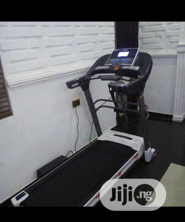 Archive: 2.5hp Treadmill With Massager and Incline