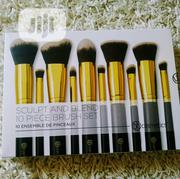 Bobbi Brown 18 Pieces Professional Makeup Brush Set | Makeup for sale in Lagos State, Magodo