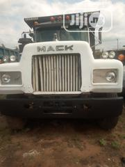 R Model White Black Bucket | Trucks & Trailers for sale in Abia State, Aba South
