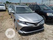 Toyota Camry 2018 SE FWD (2.5L 4cyl 8AM) Gold | Cars for sale in Lagos State, Magodo