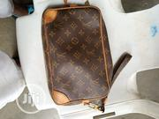 Neatly Used Men UK Unisex Wallet Designed by Louis Vuitton | Bags for sale in Osun State, Osogbo