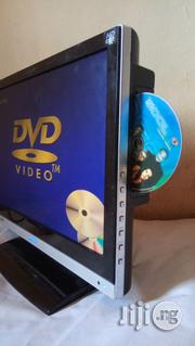 """Wall Screen With Dvd Inbuilt Player 19"""" 