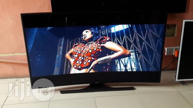 Curved Samsung Uhd 4K Smart TV 55inches